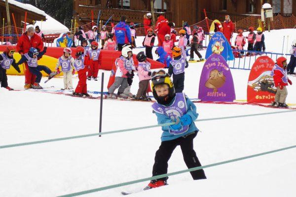 kaski dla dzieci na narty